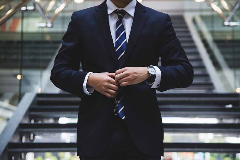What to wear as a student to look professional on a student budget